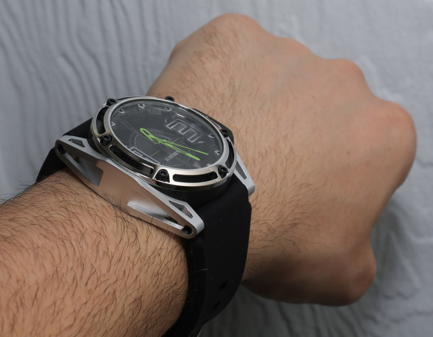 2(X)IST New York City Watch Review Wrist Time Reviews