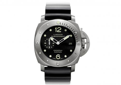 Front of Panerai PAM 571 watch