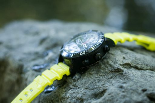 timex-iq-adventure-series-depth-gauge-review-2-min-512x341