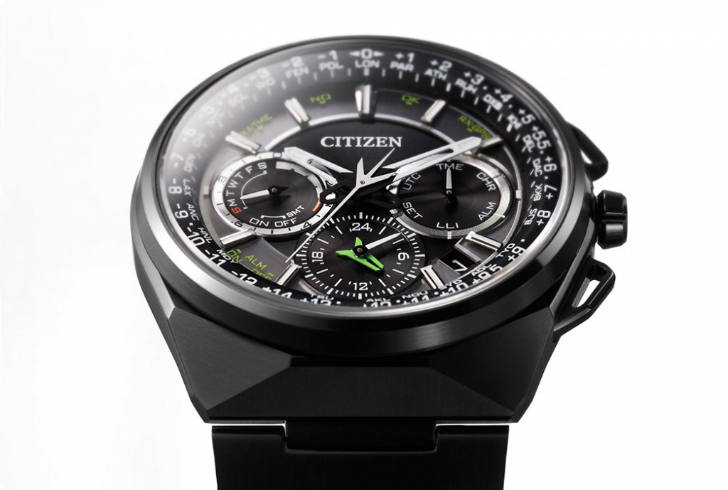 Front of Citizen Eco-Drive Satellite Wave F900 GPS watch 02